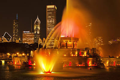 Chicago Photograph - Buckingham Fountain by Andrew Soundarajan