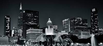 Riverwalk Photograph - Buckingham Fountain Black And White by Frozen in Time Fine Art Photography