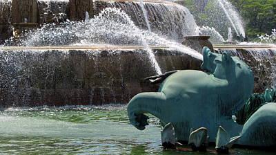 Photograph - Buckingham Fountain Close Up 1 by Anita Burgermeister
