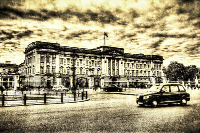 Buckingham Palace Vintage Art Print