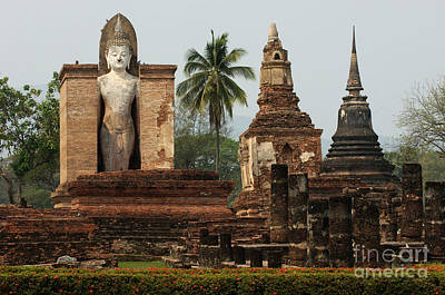Photograph - Buddha Sukhothai Thailand 2 by Bob Christopher