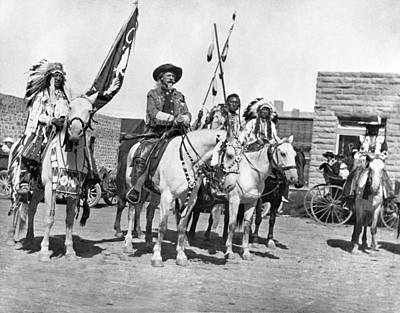 1907 Photograph - Buffalo Bill And Friends by Underwood Archives