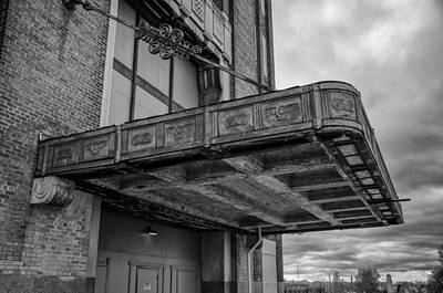 Photograph - Buffalo Central Terminal  8473 by Guy Whiteley