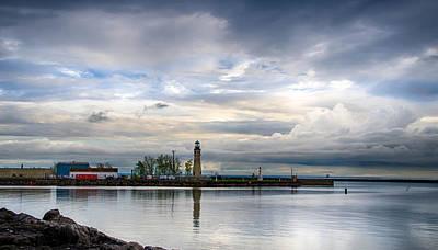 Photograph - Buffalo Lighthouse 2119c by Guy Whiteley