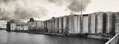 Photograph - Buffalo's Grain Elevators by Guy Whiteley