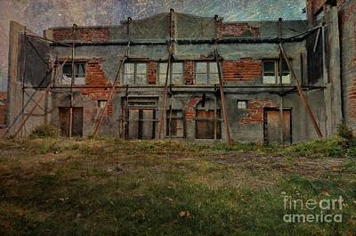 Photograph - Building In Ruins by Liane Wright