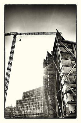 Photograph - Building London 1 by Lenny Carter