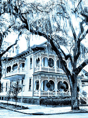 Old House Photograph - Bull Street House Savannah Ga by William Dey