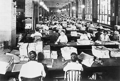 Washington D.c. Photograph - Bureau Of Engraving by Underwood Archives