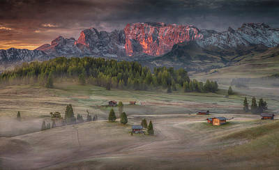 Mountain Cabin Wall Art - Photograph - Burning Mountains Over The Frozen Valley by Peter Svoboda, Mqep
