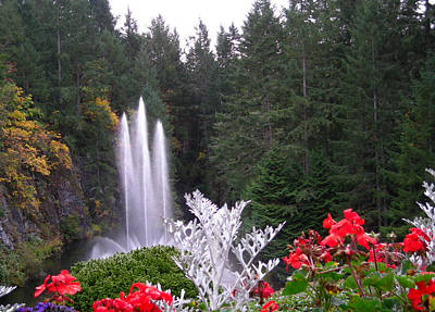 Photograph - Butchart Gardens Fountain by Brian Hoover