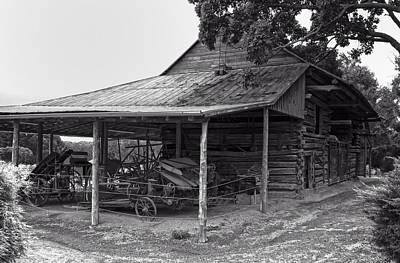 Digital Art - bw Antique Barn by Chris Flees