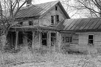 Photograph - Bygone Memories - Old Abandoned House by Ron Grafe