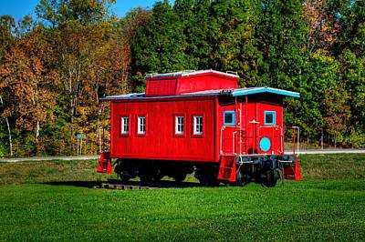 Photograph - Caboose by Walt Sterneman