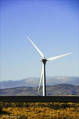 Photograph - California Wind Turbine by LeeAnn McLaneGoetz McLaneGoetzStudioLLCcom