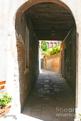 Photograph - Calle A Venezia by Mariarosa Rockefeller
