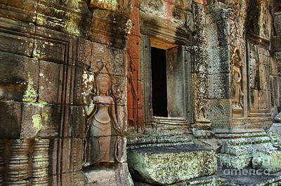 Carving In Stone Photograph - Cambodia Angkor Wat 2 by Bob Christopher