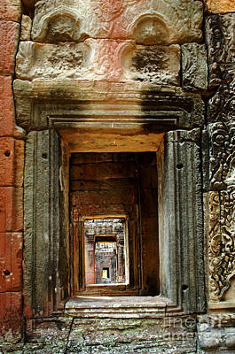 Carving In Stone Photograph - Cambodia Angkor Wat 5 by Bob Christopher