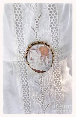 Photograph - Cameo Lace by Susan Garren