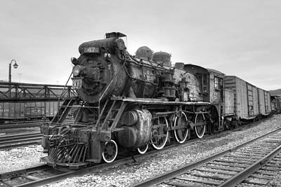 Photograph - Canadian National No. 47 by Gene Walls