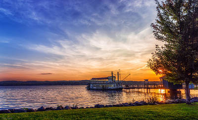 Canandaigua Lake Photograph - Canandaigua Lady by Mark Papke