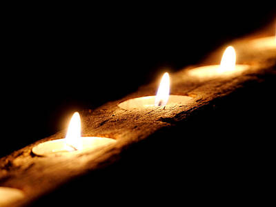 Photograph - Candlelight by Richard Reeve