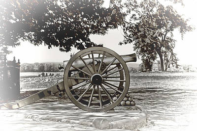 Photograph - Cannon At Gettysburg by Dyle   Warren