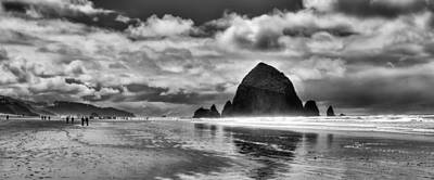 Cannon Beach On The Oregon Coast Art Print