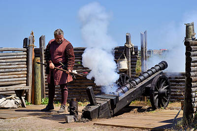 Combat Photograph - Cannon Firing At Fountain Of Youth Fl by Christine Till