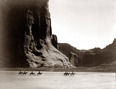Canonde Chelly Az 1904 Art Print by Edward S Curtis
