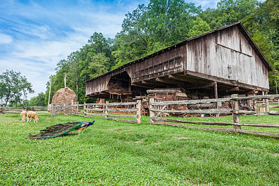 Photograph - Cantilever Barn by Melinda Fawver