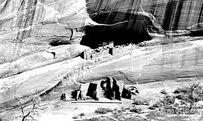 Digital Art - Canyon De Chelly Anasazi White House Ruins Arizona Black And White Conte Crayon Digital Art by Shawn O'Brien
