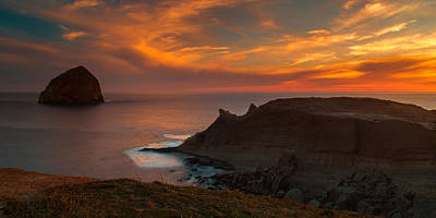 Photograph - Cape Kiwanda Sunset by Thomas Hall