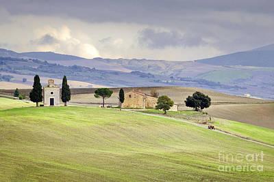 Capella De Vitaleta Church Near Pienza Tuscany Italy Art Print by Robert Leon