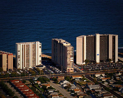 Photograph - The Capri Condominium Ocean City Md by Bill Swartwout Fine Art Photography