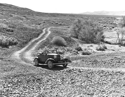 1916 Photograph - Car In The Desert by Underwood Archives