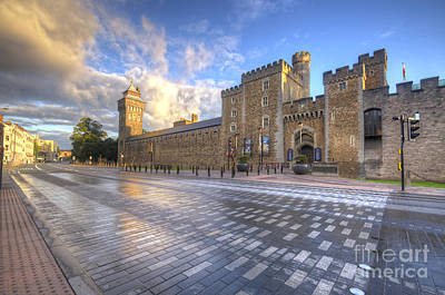 Photograph - Cardiff Castle by Yhun Suarez