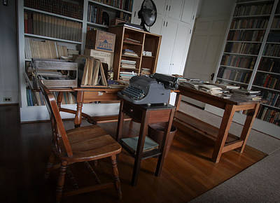 Photograph - Carl Sandberg Office by Dave Hall
