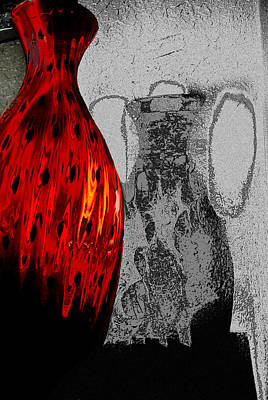 Photograph - Carmellas Red Vase 2 by Kate Word