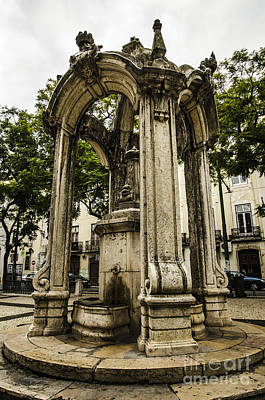 Photograph - Carmo Convent Fountain by Deborah Smolinske