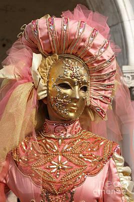 Photograph - Carnevale Di Venezia 31 by Rudi Prott