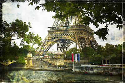 Photograph - Carousel At The Eiffel Tower by Lucinda Walter