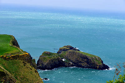 Photograph - Carrick-a-rede Rope Bridge - Northern Ireland by Marilyn Burton