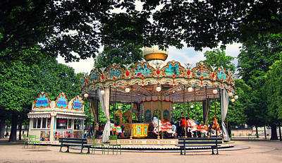 Photograph - Carrousel In The Tuileries Gardens by Heidi Hermes