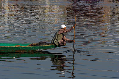 Cartoon - Man Plying A Wooden Boat On The Dal Lake Art Print by Ashish Agarwal