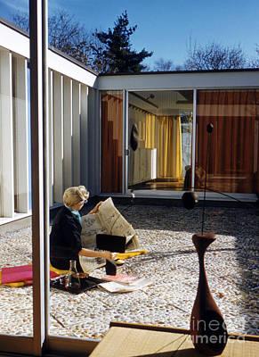 Retro Photograph - Casa Sert In Cambridge 1958 by The Harrington Collection