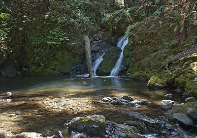 Photograph - Cascade Falls by Kenneth Hadlock