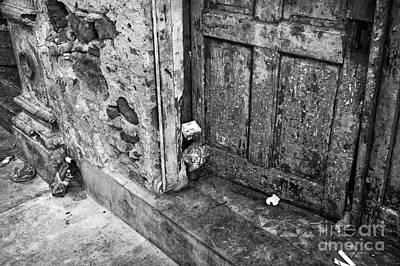 Photograph - Casco Viejo Door Mono by John Rizzuto