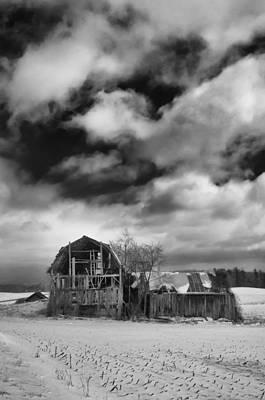 Farmlife Photograph - Castile Barn 806b by Guy Whiteley