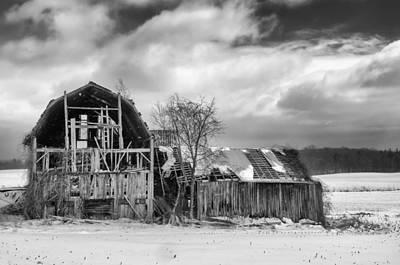 Farmlife Photograph - Castile Barn 818b by Guy Whiteley